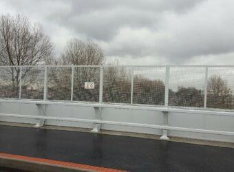 glissière de sécurité / barrière de sécurité H2 avec protection caténaire Pont du Triangle 2 - Dunkerque (59)